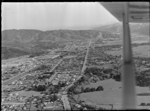 View south to the suburbs of Heretaunga and Silverstream with Fergusson Drive and Trentham Park in foreground, Upper Hutt City, Wellington Region
