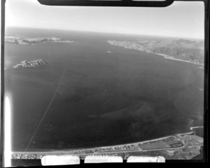 Wellington Harbour with Petone Beach in foreground, looking south to Matiu/Somes Island with Pencarrow Head and the Miramar Peninsula beyond, Wellington City