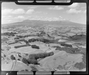 Mt Egmont / Mt Taranaki, includes housing and farmland