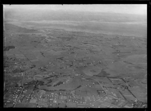 Suburban Bus Company Coverage, view south over Mangere with Mangere Domain and Wallace Road in foreground to George Bolt Memorial Drive, Mangere Airfield (Auckland Airport) and the Manukau Harbour beyond, Auckland City