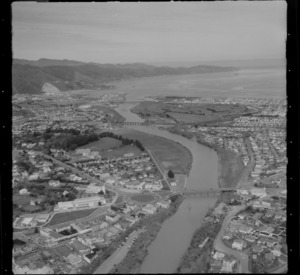 View south over Lower Hutt with the Ewen Street Bridge to the suburbs of (L to R) Seaview and Petone, with the Hutt River and Wellington Harbour beyond