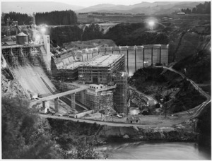 Karapiro hydroelectric power plant under construction