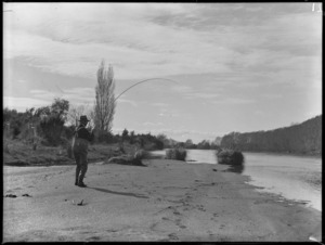 Trout fishing, Grace's Reach, Tongariro River
