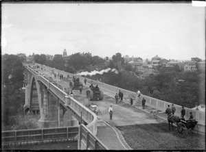 Grafton Bridge, Auckland, under construction