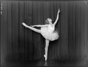 Dancer, Bebe Wilts [later, Miss Bebe De Roland?]