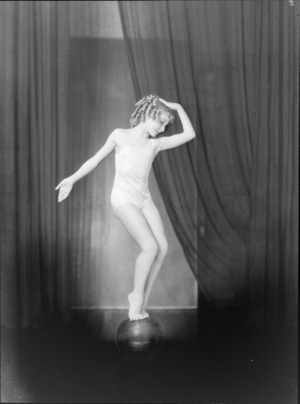 Performer, Bebe Wilts [later Miss Bebe De Roland?]