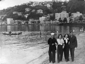 Oriental Bay, Wellington, with American servicemen