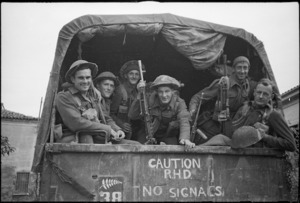 New Zealand soldiers, Italy, during World War 2
