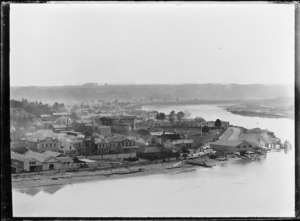 General view of Wanganui from across the river.