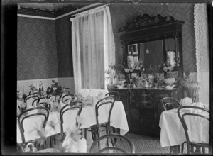 Interior view of the dining room of the Hinemoa Hotel at Te Aroha, circa 1916.