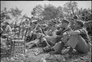World War 2 New Zealand officers watching the Kiwi Concert Party, Volturno Valley, Italy