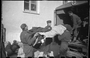 Unloading sick and wounded at the second New Zealand General Hospital, Casterta, Italy, during World War 2