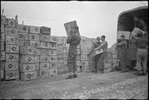 Unloading New Zealand Patriotic Fund parcels at the Italian front, World War 2
