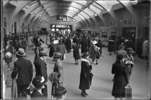 Crowded concourse at Wellington Railway Station