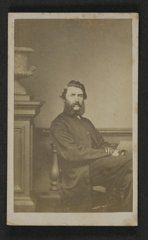Photographer unknown: Portrait of unidentified man