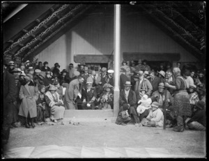 Governor General Lord Jellicoe visiting the meeting house at Omahu, Hawke's Bay