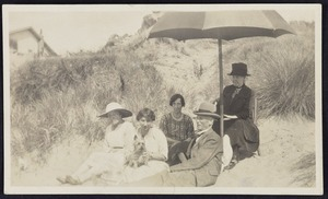 Photographer unknown :Portrait of Mrs Stafford with friends