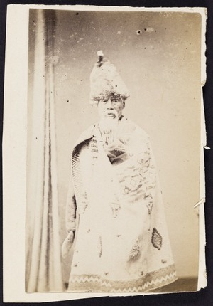Photographer unknown :Portrait of unidentified man