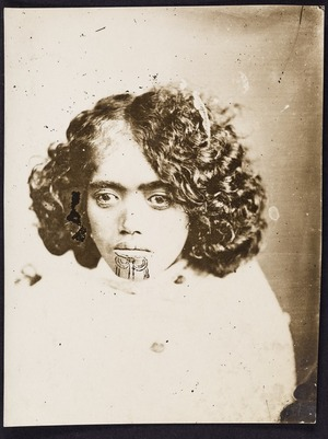 Photographer unknown :Head and shoulders portrait of an unidentified young woman