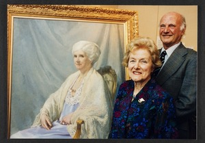 Robert Edward Stout and Dorothy McFarlane with a portrait of Anna Stout