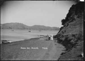 Walking on the beach, Awaawaroa Bay, Waiheke Island
