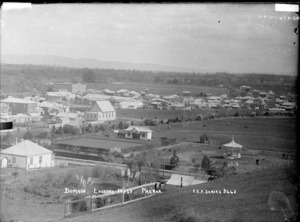 Paeroa Domain, looking West, ca 1918 - Photograph taken by Fred. E Flatt