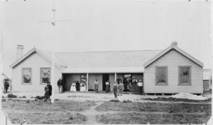 Creator unknown :Photograph of Noble's Hotel, Taupo