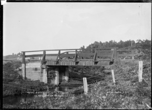 Price's bridge, at Te Mata, near Raglan, 1910 - Photograph taken by Gilmour Brothers
