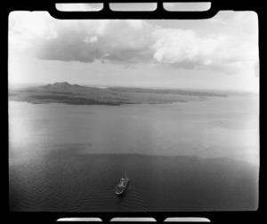 Huddart Parker ship Wanganella departing Auckland