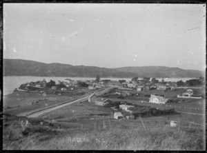 Creator unknown : Photograph of Raglan