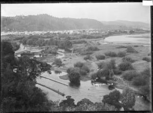 View of Taumarunui with the junction of the Whanganui River and the Ongarue River in the foreground