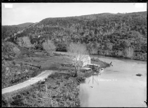 Te Uku Landing, Raglan Harbour, 1910 - Photograph taken by Gilmour Brothers