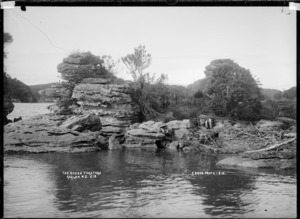 Tokatoka Rocks at Tokatoka Point, Raglan Harbour, 1910 - Photograph taken by Gilmour Brothers
