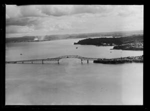 Construction of Auckland Harbour Bridge