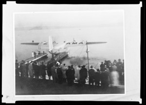 Official inauguration of Tasman Empire Airways Limitied (TEAL) air mail service between Auckland and Sydney, Auckland