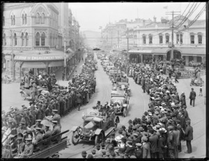 Returned servicemen in parade through High Street, Christchurch