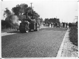 Creator unknown :Photograph of bituminous concrete pavement being laid on the main highway between Sanson and Palmerston North