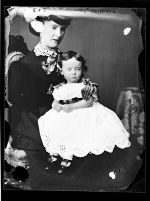 Mrs P Watts and her daughter - Photograph taken by Thompson & Daley of Wanganui