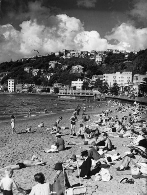People on the beach, Oriental Bay, Wellington
