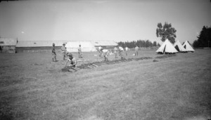 Soldiers receiving instruction at Waiouru Army Training Camp