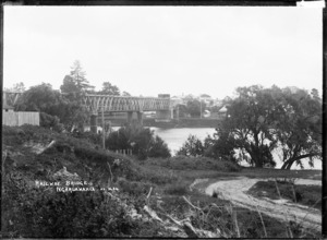 Railway Bridge over the Waikato River at Ngaruawahia, 1910