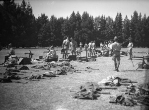 Soldiers receiving instruction in the Vickers gun at Waiouru Army Training Camp