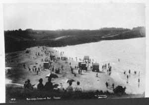 Crowd on the beach at Caroline Bay, Timaru - Photograph taken by William Ferrier