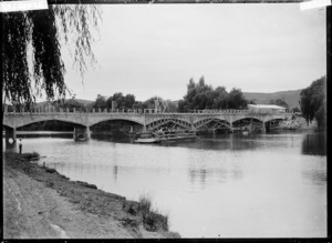 Whakatane River, with bridge under construction