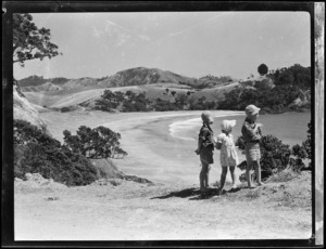 Robert Wells and two other children at Woolley's Bay