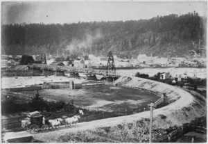Creator unknown : Photograph of Reefton, West Coast