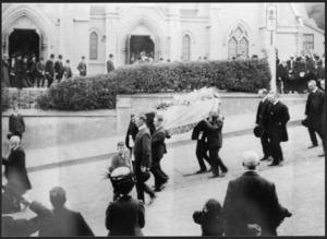 Thomas Wilmor McKenzie's funeral procession