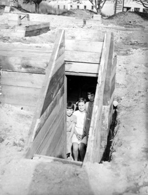 Construction of air raid shelters, Auckland