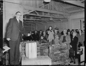 Mr Huggan opening a vegetable market, Lower Hutt