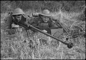 New Zealand World War II soldiers training in England, with an anti tank rifle